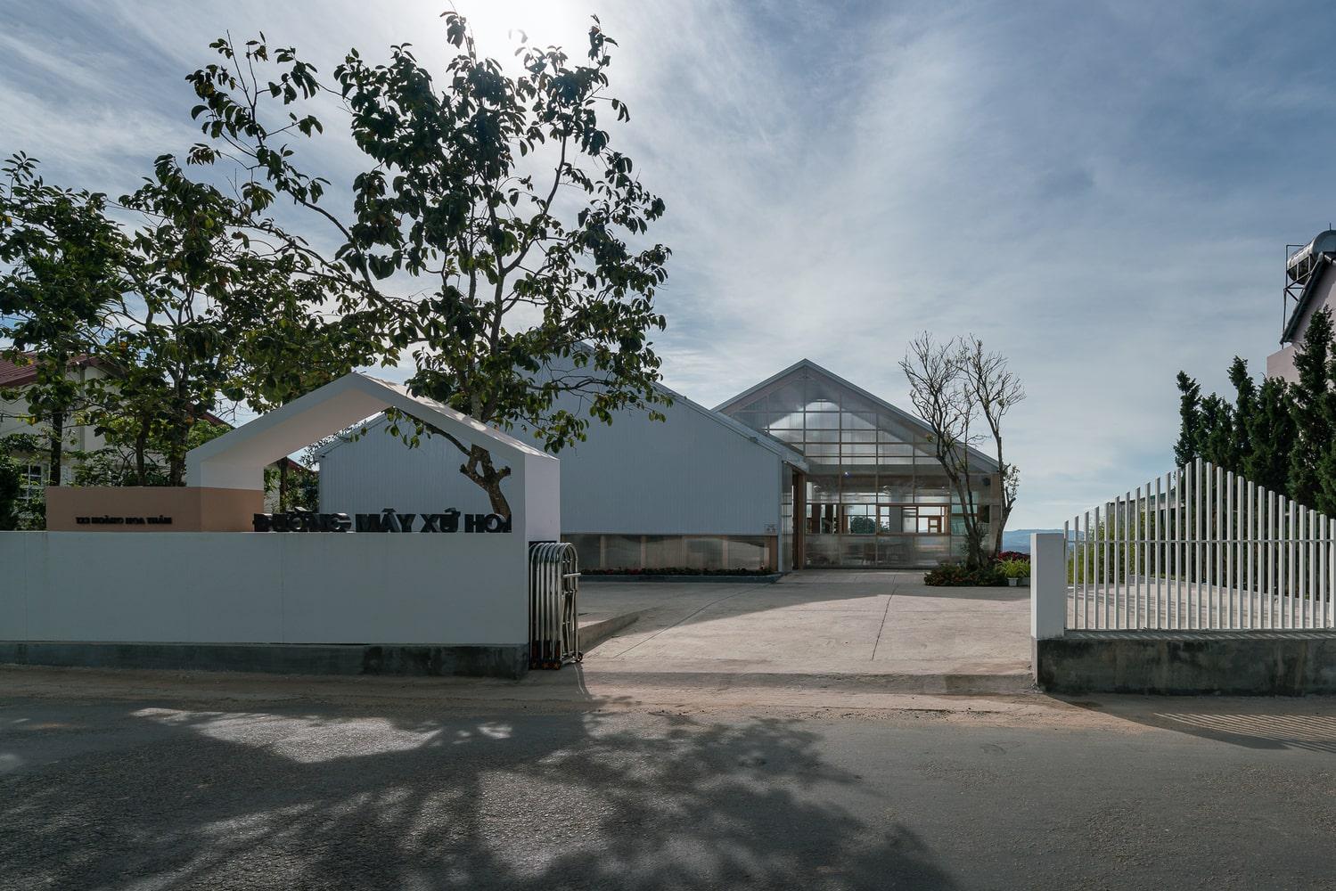 HHT Coffee tại Đà Lạt | Những ngọn đồi nhấp nhô mờ ảo 01