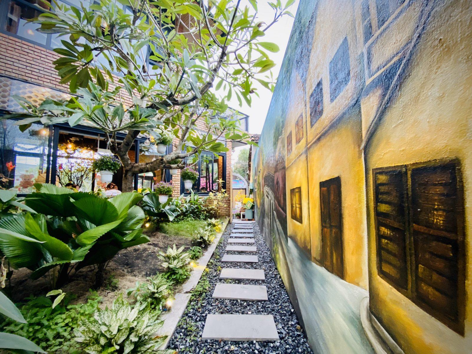 Nghệ thuật xếp gạch tuyệt tác của quán cafe ở Đà Nẵng